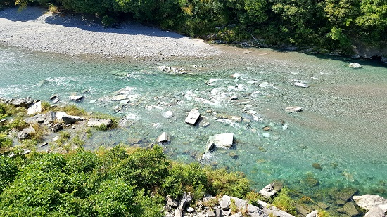 神山の川1